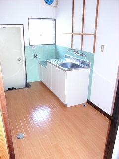 ガス台と洗い水槽(キッチン)